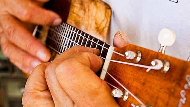 Learn to play ukulele